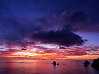 母島四本岩の夕日